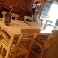 3/21/2013 tarihinde Balikgozluadam (.ziyaretçi tarafından Nakka Restaurant'de çekilen fotoğraf