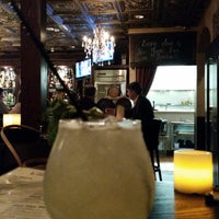 Foto tirada no(a) Harlow's Fine Cuisine and Crafted Cocktails por Amy B. em 2/21/2015