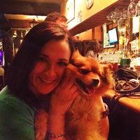 Das Foto wurde bei Blarney Stone Pub von Laura H. am 4/16/2014 aufgenommen