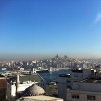 Das Foto wurde bei Legacy Ottoman Hotel von Raitis N. am 4/12/2013 aufgenommen