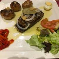 Foto tirada no(a) Oporto restaurante por Frederico F. em 9/9/2018