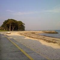 Foto scattata a East Coast Park da Nath B. il 9/18/2012