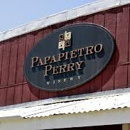 Foto scattata a Papapietro Perry Winery da Papapietro Perry Winery il 9/19/2013