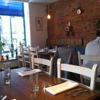 3/14/2013 tarihinde Alex D.ziyaretçi tarafından Kanella: Greek Cypriot Kitchen'de çekilen fotoğraf
