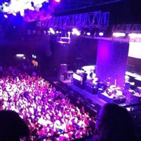 Foto scattata a Revention Music Center da 🐵moni🐵 V. il 7/4/2013