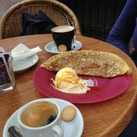 Foto diambil di Café del Viajero oleh Big my C. pada 3/25/2013