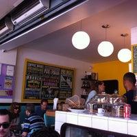 Снимок сделан в Gringo Café пользователем Eduardo K. 9/30/2012