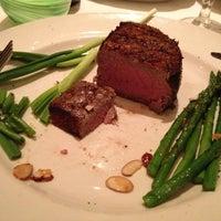 Foto tomada en III Forks Restaurant por Scott E. el 1/23/2013