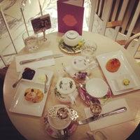 5/8/2013 tarihinde Mahan A.ziyaretçi tarafından Tea Salon - The Victoria Room'de çekilen fotoğraf