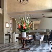 Das Foto wurde bei Hotel Duquesa de Cardona von Hector D. am 6/19/2013 aufgenommen
