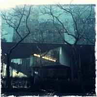 Das Foto wurde bei Alice Tully Hall at Lincoln Center von Kacey S. am 3/4/2013 aufgenommen