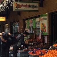 รูปภาพถ่ายที่ Frukthallen โดย Alex F. A. เมื่อ 1/11/2014