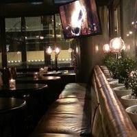 Foto tirada no(a) The Blackbird Public House & Oyster Bar por Francisco M. em 12/12/2013
