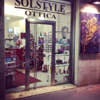 Foto tirada no(a) Ottica Solstyle por Tommaso I. em 12/16/2013