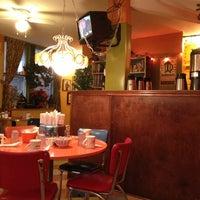 12/7/2012에 Paul T.님이 Kitsch'n on Roscoe에서 찍은 사진