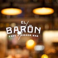 Das Foto wurde bei EL BARÓN - Café & Liquor Bar von Juan D. D. am 1/2/2014 aufgenommen