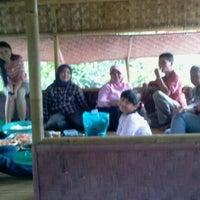 รูปภาพถ่ายที่ Cilebut, Bogor โดย asri octaviana n. เมื่อ 1/1/2013