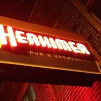 6/2/2013 tarihinde Michael G.ziyaretçi tarafından The Herkimer Pub & Brewery'de çekilen fotoğraf