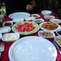 5/26/2013 tarihinde Gökhanziyaretçi tarafından Dalakderesi Restaurant'de çekilen fotoğraf