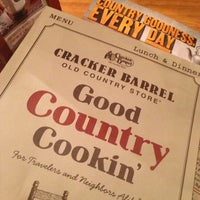 Foto scattata a Cracker Barrel Old Country Store da Maximus S. il 2/24/2013