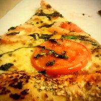 Photo prise au Abbot's Pizza Company par Joséphine R. le9/7/2013
