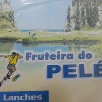 Foto tirada no(a) Fruteira do Pelé por Roni V. em 5/4/2013