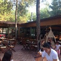 Photo prise au Koçlar Restaurant ve Dinlenme Tesisi par Ali O. le8/30/2014
