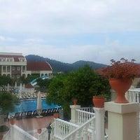 5/10/2013 tarihinde Yaninaziyaretçi tarafından Garden Resort Bergamot'de çekilen fotoğraf