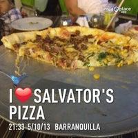 Photo prise au Salvator's Pizza par Bryan P. le5/11/2013