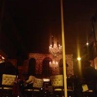 Photo prise au Café & Bar Lurcat par Laura G. le12/13/2012