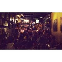 Photo prise au Adhere the 13th Blues Bar par R. I. le2/23/2014