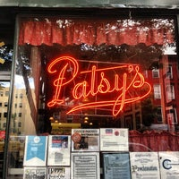 Foto scattata a Patsy's Pizza - East Harlem da Anthony B. il 7/3/2013