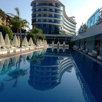 รูปภาพถ่ายที่ Q Premium Resort Hotel Alanya โดย Cem E. เมื่อ 6/14/2013