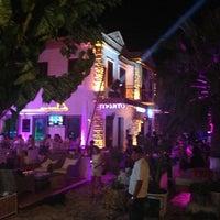 รูปภาพถ่ายที่ Mojito Lounge & Club โดย SERKAN D. เมื่อ 7/6/2013