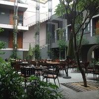Photo prise au Flor de Mayo Hotel & Restaurant par María L. le9/3/2013