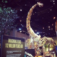 Foto tirada no(a) Perot Museum of Nature and Science por Robbie G. em 11/27/2012