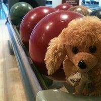 4/22/2013 tarihinde EREN Y.ziyaretçi tarafından RollingBall Bowling'de çekilen fotoğraf