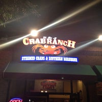 Foto diambil di S & J Crab Ranch oleh Martin S. pada 8/29/2014
