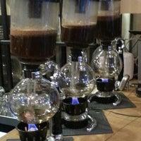 Foto scattata a drip coffee   ist da Sinan T. il 3/23/2014
