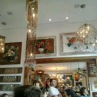 4/7/2013에 Alê S.님이 Florbela Café에서 찍은 사진