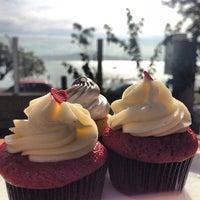 2/24/2013에 @isadorabp님이 FairyLand Cupcakes에서 찍은 사진
