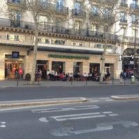 Photo prise au Starbucks Coffee par Laurent B. le4/24/2013