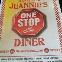 รูปภาพถ่ายที่ Jeannie's One Stop Diner โดย Steven D. เมื่อ 3/28/2013