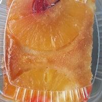 Foto diambil di The Avenue Bakery oleh R M. pada 4/6/2014