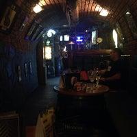 Foto scattata a The BLACK STUFF Irish Pub & Whisky Bar da Heather il 10/29/2013