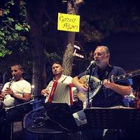 8/24/2016 tarihinde BABACAN BİSTRO L.ziyaretçi tarafından Gazoz Ağacı Sahnesi Babacan Bistro Life'de çekilen fotoğraf