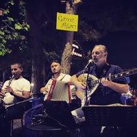 8/28/2016 tarihinde BABACAN BİSTRO L.ziyaretçi tarafından Gazoz Ağacı Sahnesi Babacan Bistro Life'de çekilen fotoğraf