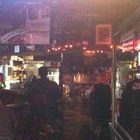 รูปภาพถ่ายที่ Barracuda Taphouse & Grill โดย Rob V. B. เมื่อ 1/10/2011