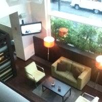 Foto tomada en Hotel Novit por Luis E. M. el 6/18/2012