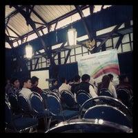 Das Foto wurde bei Aula Barat ITB von Sari M. am 5/5/2012 aufgenommen